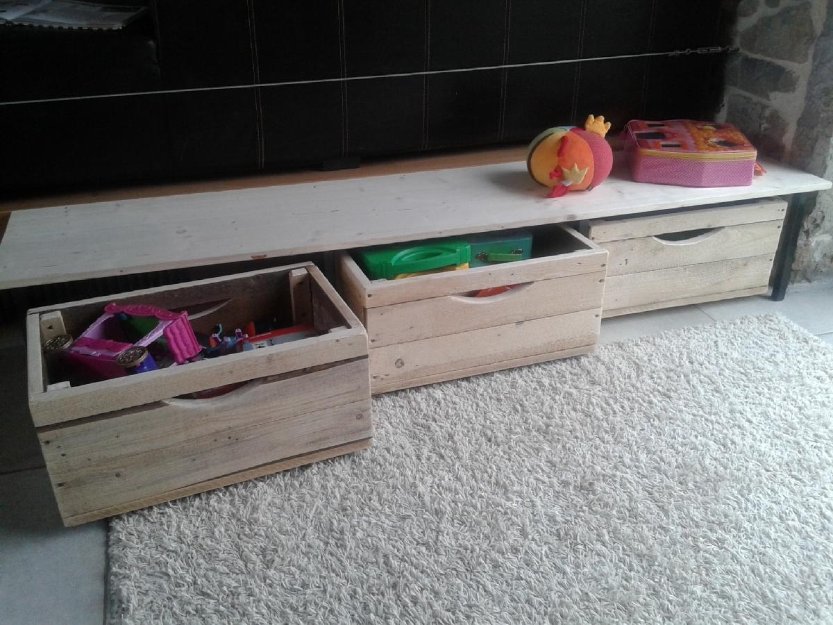 deco palette et caisse en bois good caisse en bois rangement mural des chaussures with deco. Black Bedroom Furniture Sets. Home Design Ideas