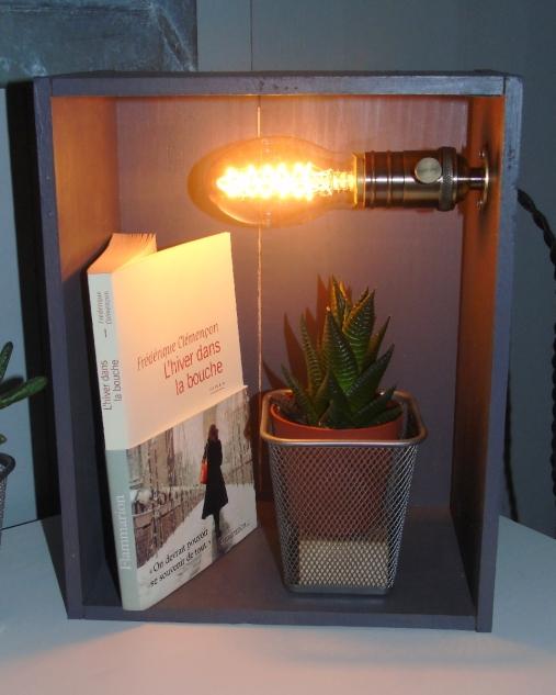 Lampe rétro, ampoule filament, douille laiton 60€
