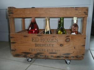 recupfactory pau décoration vintage bois palette casier à bouteilles relooké en bar mobile vintage et rétro
