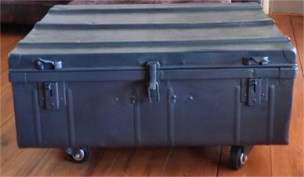 recupfactory pau décoration vintage bois palette malle de récupération et relookée table basse effet rétro vintage
