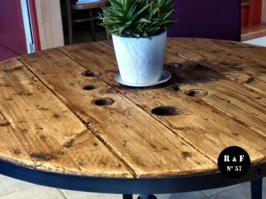 recupfactory pau décoration vintage bois palette recyclage d'un touret industriel en table bistrot rétro