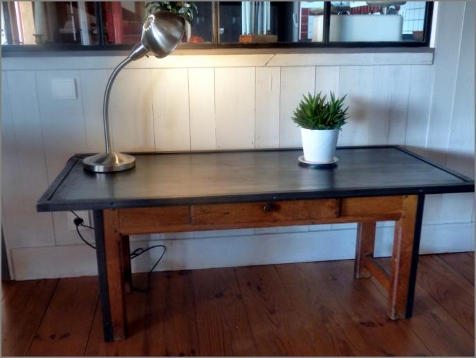 recupfactory pau décoration vintage bois palette acier et bois composent cette table basse factory et rétro