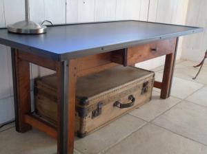 recupfactory pau décoration vintage bois palette table basse factory pied merisier cornières acier et plateau graphité