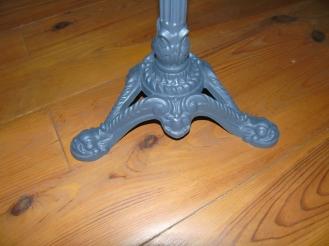 table touret ardoise palette vintage détail pied fonte recup factory