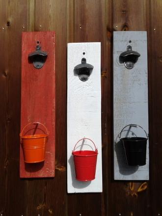 decapsuleur-mural-customisation-bois-palette-biere-vintage-deco-retro-personnalisation