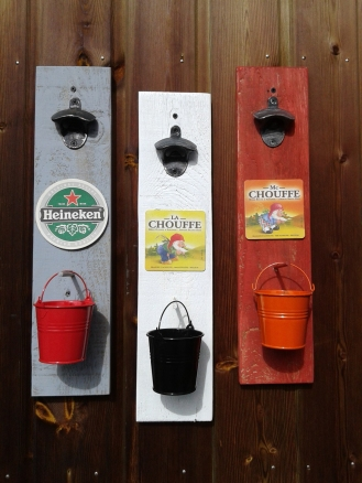 decapsuleur-mural-customisation-bois-palette-biere-vintage-deco-retro